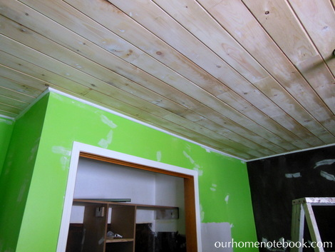 Kids Room Makeover - Planked ceiling boards