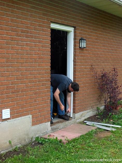 Installing a Exterior Door - Removing the old door frame1