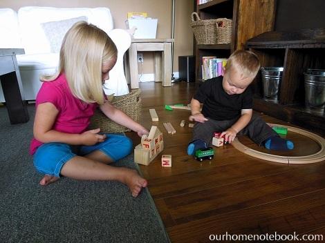 Organizing Toys - Kids playing