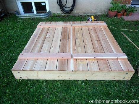 Building a Sandbox - Attached lid