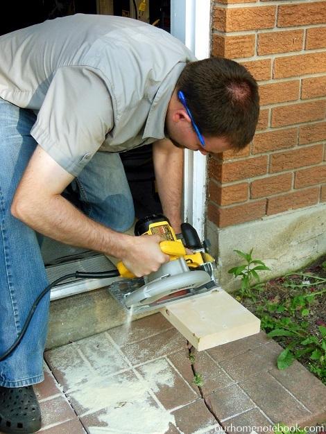 Building a Sandbox - Cutting the boards