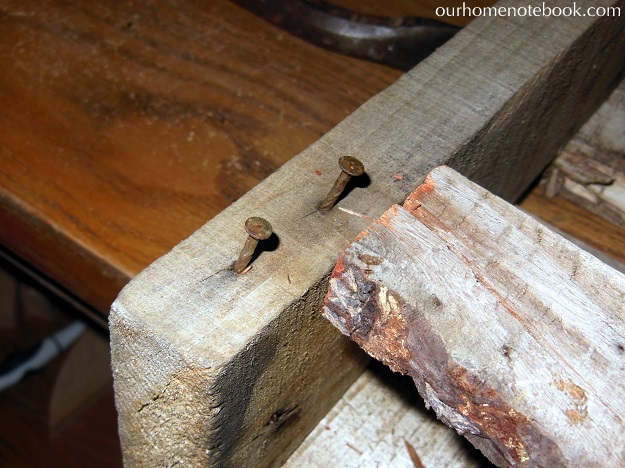 Building A Rustic Wood Centerpiece Box - Taking apart the pallet